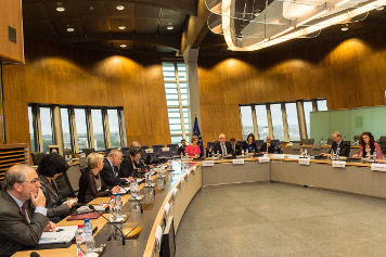 Commission meets with non-confessional organisations
